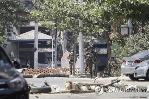 미얀마 군부 시민불복종 운동 탄압 본격화…유엔, 군부규탄 무산