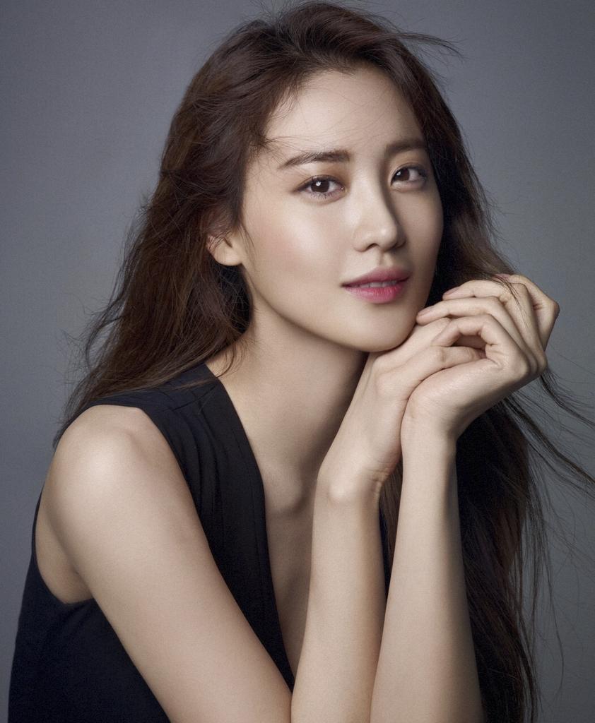 배우 수현, YG엔터테인먼트와 전속계약