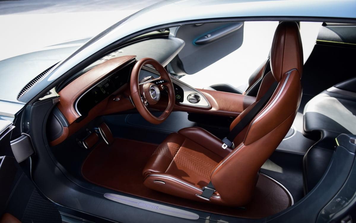 제네시스 브랜드는 31일(수) 전기차 기반의 GT(Gran Turismo) 콘셉트카 '제네시스 엑스(Genesis X)'를 제네시스의 글로벌 온라인 채널을 통해 공개했다.