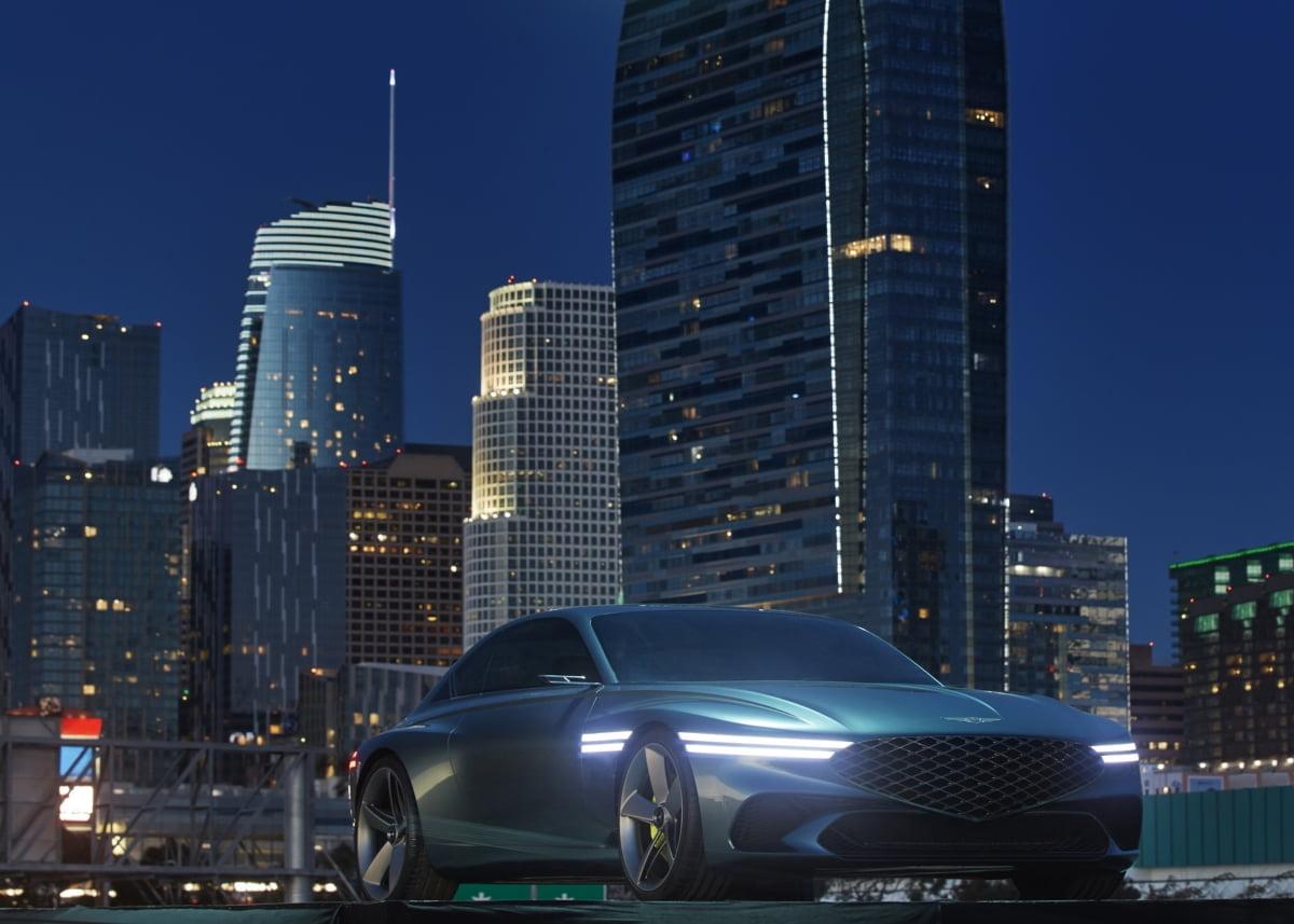 """제네시스, EV 콘셉트카 `엑스` …""""미래 전기차 방향 제시"""""""