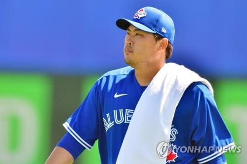 류현진, 한국인 최초로 메이저 리그 개막전 3 년 연속 선정