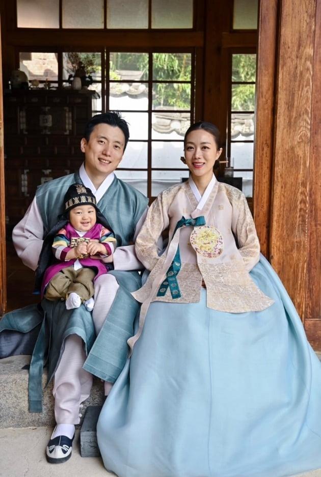 서현진 가족사진./ 사진제공=린브랜딩