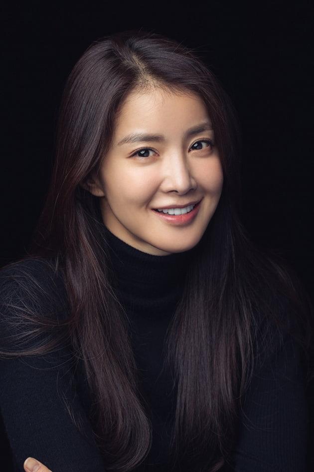 이시영 틱톡 1000만 돌파…국내 여배우 최초