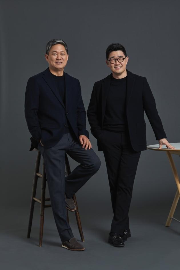 김성수 대표(왼쪽)과 이진수 대표/사진 = 카카오엔터테인먼트 제공