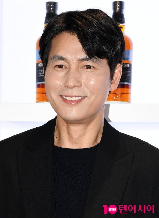 [TEN 포토] 정우성 '여심 폭격기 꽃미소'