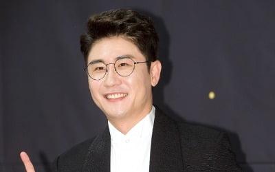 영탁 소속사 대표 <br>사기 의혹