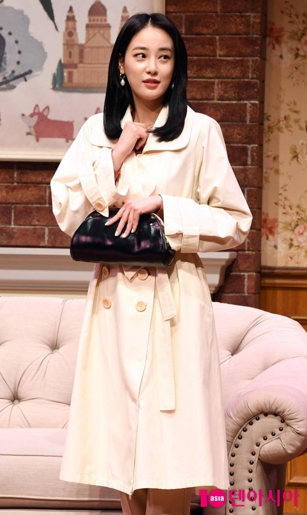 [TEN 포토] 이주연 '연극무대 밝히는 미모'(스페셜 라이어)