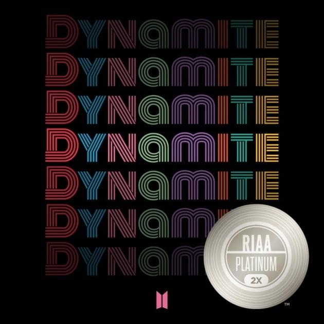 그룹 방탄소년단의 'Dynamite'가 미국 레코드산업협회(RIAA)로부터 '더블 플래티넘 싱글' 인증을 받았다. / 사진제공=RIAA