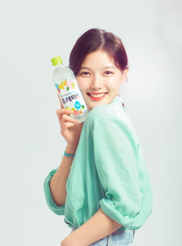 김유정, 토레타 새 얼굴…과즙美 발산 [공식]