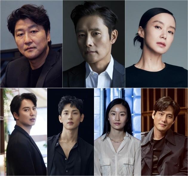 영화 '비상선언' 출연 배우들./