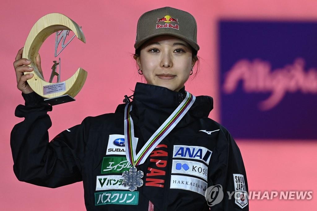 '메이저대회 징크스' 다카나시, 스키점프 세계선수권서 또 2위