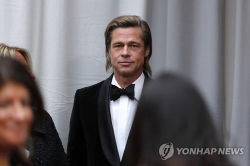 이혼 소송 중인 졸리, 피트 가정폭력 입증자료 제출