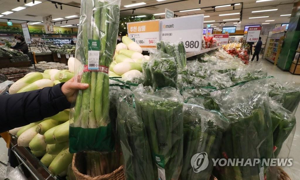 '무거운 장바구니' 지난달 주요 농축산물 가격 일제히 강세