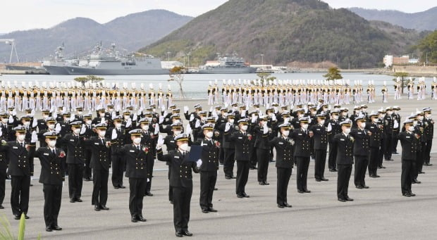 지난달 26일 경남 창원시 진해구 해군사관학교에서 열린 제79기 사관생도 입교식. /사진=연합뉴스