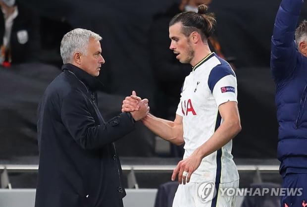 Vale Tottenham과 함께 지내야합니까?  모리 뉴 감독에게 레알 마드리드에게 물어보기