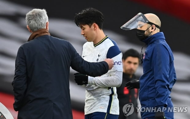 모리 뉴 감독 손흥 민 클럽에서 뛰지 못하면 국가 대표에서도 뛸 수 없다.