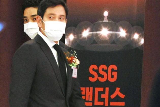 SSG 랜더스의 구단주를 맡은 정용진 신세계그룹 부회장(사진)은 30일 서울 소공로 웨스틴조선호텔에서 열린 SSG랜더스 창단식에 참석하고 있다. 사진=뉴스1