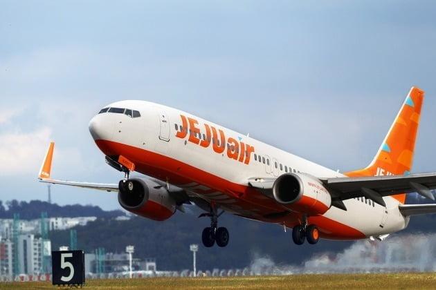 제주항공은 지난 4일과 5일 이틀 연속으로 제주기점 국내선에서 101편을 운항하며 역대 최다 하루 운항편수를 기록했다고 6일 밝혔다. 사진=제주항공