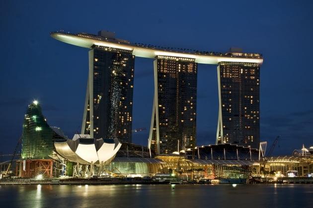'싱가포르 명물' 마리나베이샌즈, 3.7조 들여 시설 확장 나선다