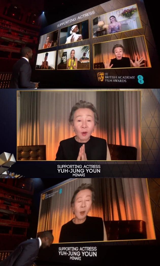 영국 아카데미 여우조연상을 수상한 윤여정 /사진=영국영화TV예술아카데미(BAFTA) 트위터