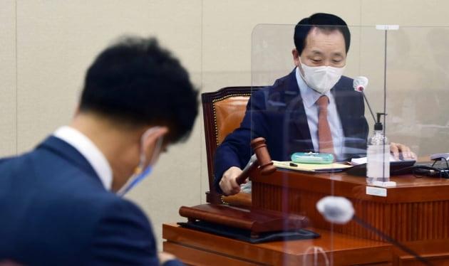 정무위, 이해충돌방지법 10일 만에 논의 재개