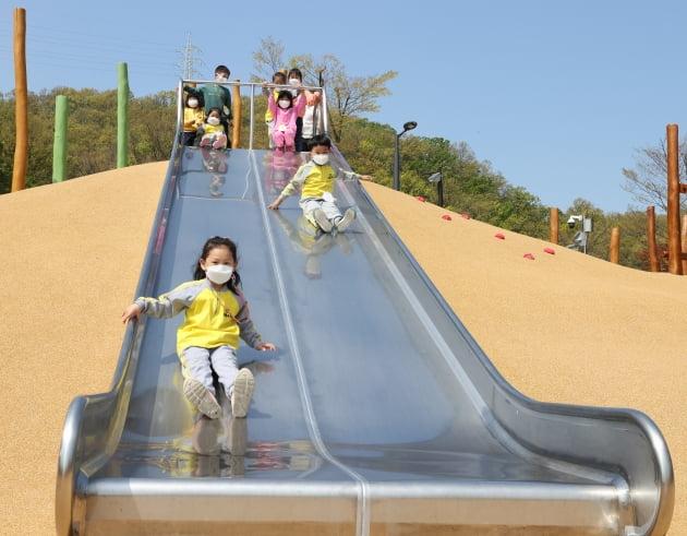 광명시, 도덕산에 창의적 '어린이 체험놀이터' 개장