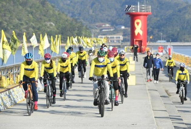 윤화섭 안산시장, '4.16 자전거 대장정 참여해 유족들의 치유 기원'
