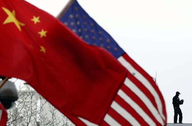 미국 성조기와 중국 오성홍기. 연합뉴스