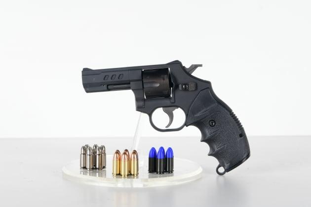 SNT모티브 경찰용 스마트 권총, 국내 도입 앞서 해외수출