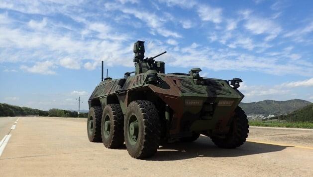 한화디펜스, 병사 대신 전장 누빌 '무인수색차량' 탐색개발 성공