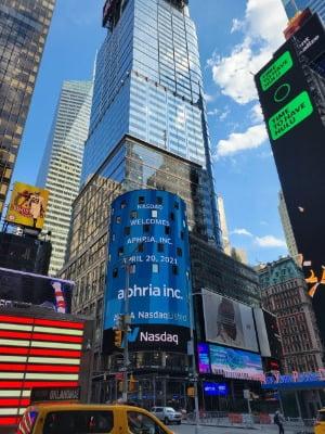 지난 20일 미국 뉴욕 맨해튼의 타임스퀘어 맞은 편에 위치한 나스닥 빌딩. 뉴욕=조재길 특파원