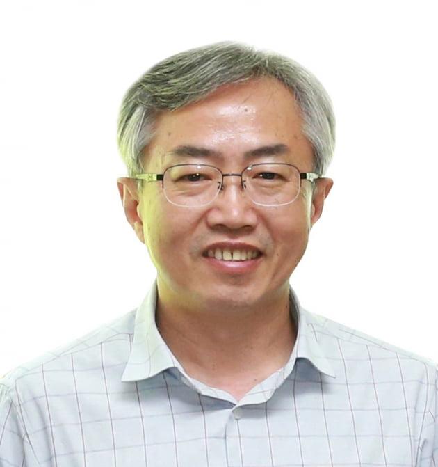 이선우 동아대 교수, 과학기술정보통신부장관 표창 수상