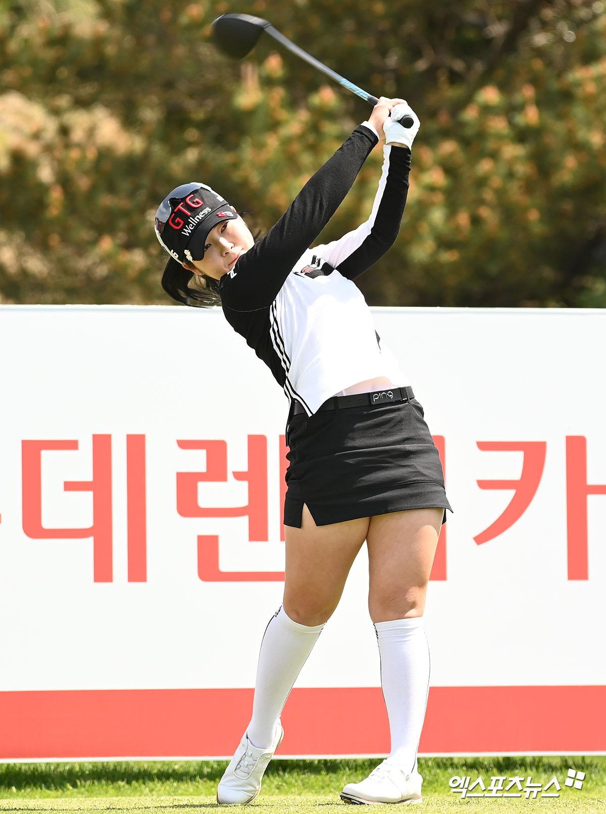 전예성 '자신있는 스윙'[포토]