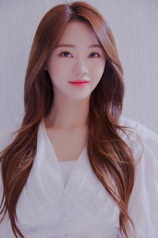 LG, 17일 두산전 시구자에 '미스트롯2' 홍지윤