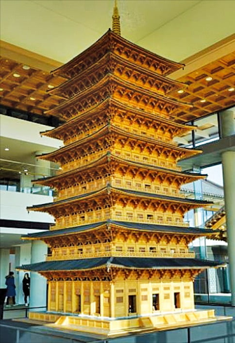 황룡사 9층 목탑 모형도