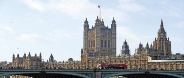 토지를 통해 부를 축적한 젠트리는 의회에도 진출해 영국의 핵심 세력으로 성장했다. 사진은 영국 국회의사당.  한경DB