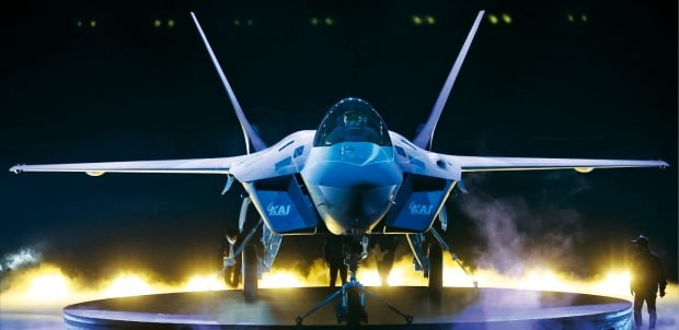 [포토] 차세대 한국형 전투기 '보라매' 공개