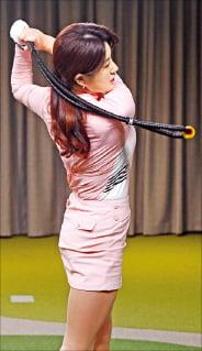 리듬·궤도 잘못되면 공이 몸 때려…'스윙 타이밍' 연습하는데 큰 도움