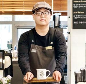 """SPC 행복한베이커리 첫 장애인 부점장 이세민 씨 """"장애인 바리스타들에게 꿈 심어줄 것"""""""