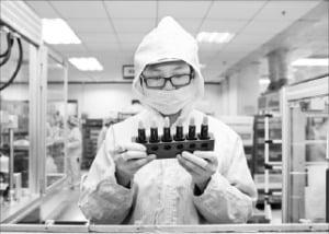 중국 소비자 3명 중 1명은 코스맥스가 만든 화장품 쓴다
