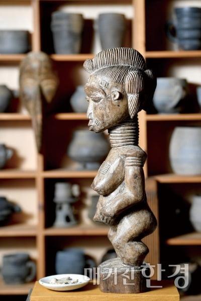 아프리카 조각상.