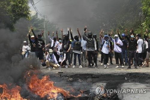 중국, 미얀마 군부 민간인 학살에도 '내정 불간섭 원칙' 강조