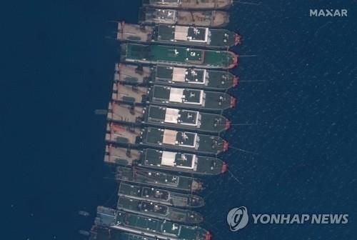 """""""중국 선박 무더기 정박에 필리핀 어부 62만명 생계 곤란"""""""