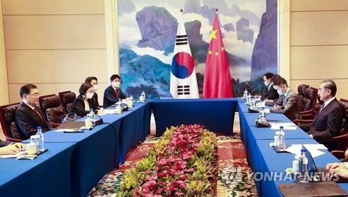 """日언론 """"미중 사이의 韓, 고민 깊어져""""…한중외교장관 회담 평가"""