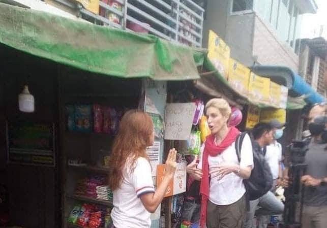 CNN 취재팀 떠나자 인터뷰한 시민들 잡아간 미얀마 군부