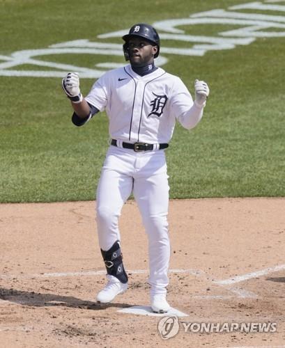 MLB 신인 바두, 데뷔 첫 타석 초구에 홈런포 가동
