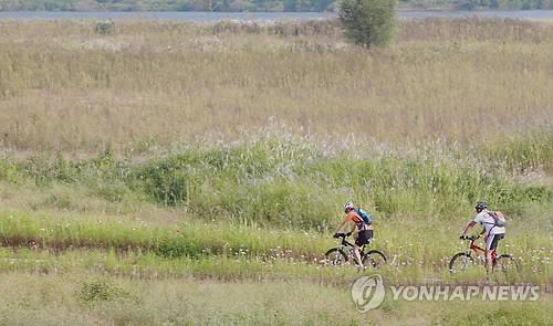 자전거 타고 낙동강길 유람…창원시 무료대여소 운영
