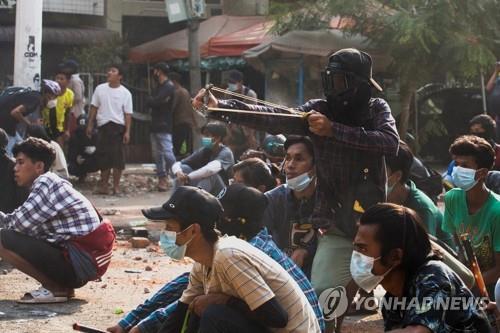 미얀마 군경 발포로 누적 사망자 600명 넘어…어린이만 48명
