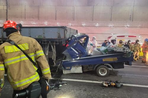 달리던 트럭서 여성 추락해 청라지하차도서 연쇄 추돌 사고(종합)