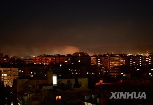 """""""이스라엘, 시리아 수도 인근에 미사일 공격…4명 부상"""""""